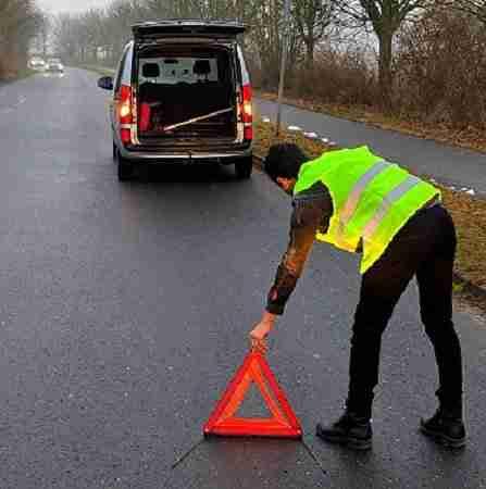 kit gilet e triangolo per segnalare incidente